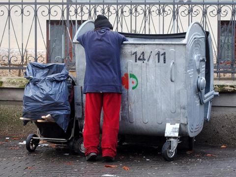 siromastvo-kontejner-mostar.jpg
